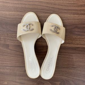 Chanel CC Logo Beige Mules slides slippers